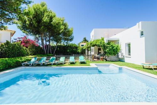 . Villa Lucas - walking distance to restaurants