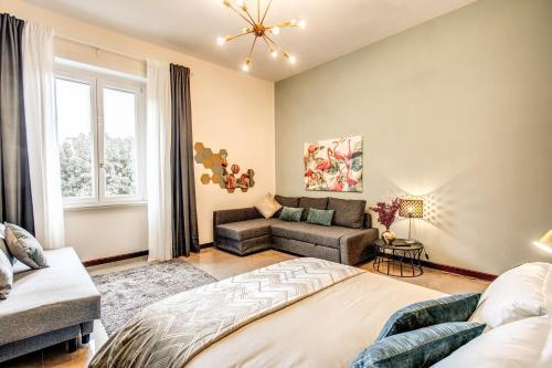 Popolo and Villa Borghese Deco Apartment