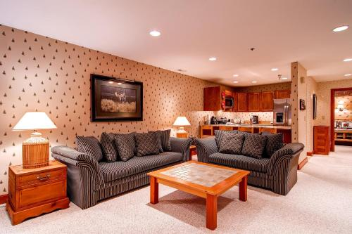 Silver Cliff Village 103 by Park City Lodging Main image 1