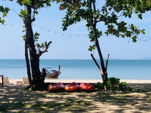 . Koh Jum Delight Beach