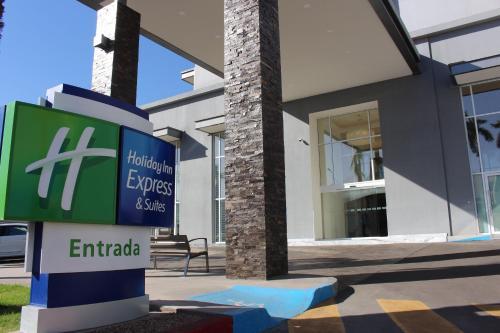 . Holiday Inn Express & Suites - Ciudad Obregon