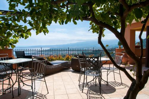 Villa Le Terrazze Charming Rooms In Taormina Italy 300