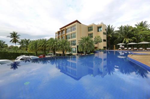 Апартаменты на пляже Maenam (Koh Samui) Апартаменты на пляже Maenam (Koh Samui)