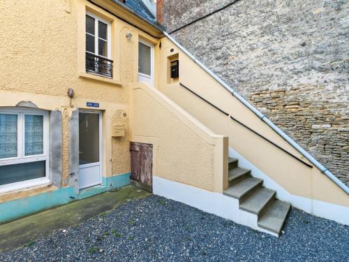 . Cozy Apartment in Maisy near Sea
