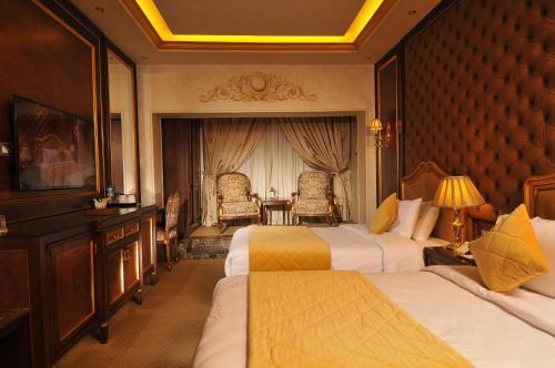 Golden Inn Hotel - image 4