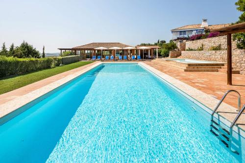 Boliqueime Villa Sleeps 8 Pool Air Con