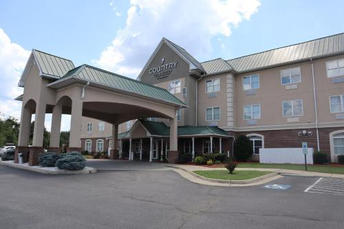 . Country Inn & Suites by Radisson, Emporia, VA