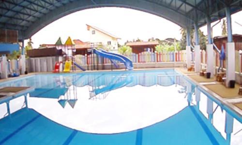 ศุภักษรอพาร์ทเม้นและสระว่ายน้ำ Supakson apartement and pools ศุภักษรอพาร์ทเม้นและสระว่ายน้ำ Supakson apartement and pools