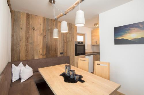 Angerer Alpine Suiten und Familienappartements Tirol - Accommodation - Reith im Alpbachtal