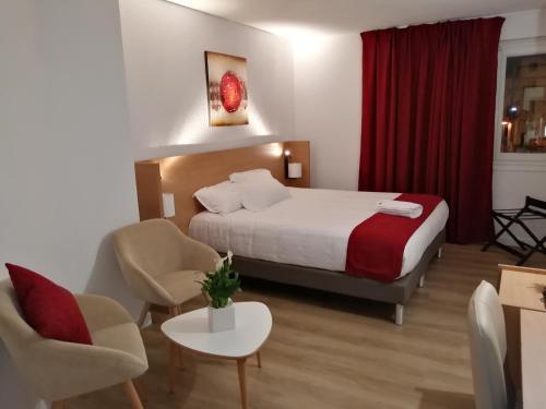 Hotel AUSTRIA Saint Etienne La Terrasse - Saint-Étienne