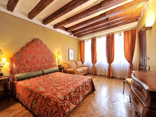 Caerano di San Marco Apartment Sleeps 11 Air Con, 30124 Venedig