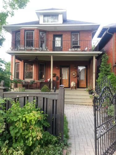 A Hidden Gem Bed and Breakfast - Accommodation - Windsor