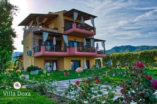 . Villa Doxa