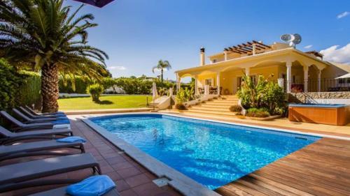 Vale Do Garrao Villa Sleeps 12 Pool