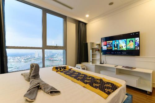 . KAY'S HOME-Vinhomes Luxury Apartment