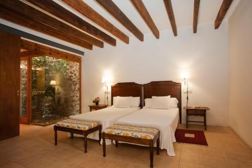 Junior Suite - single occupancy Hotel Ca'n Moragues 6