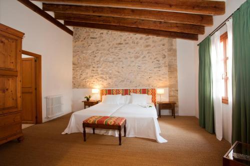Junior Suite - single occupancy Hotel Ca'n Moragues 5