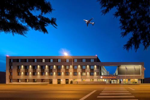 . Hilton Garden Inn Bucharest Airport