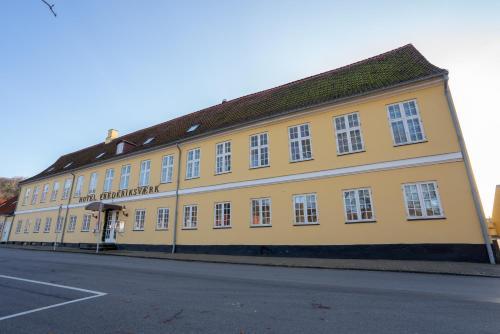 . Hotel Frederiksværk