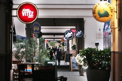 Hotel Gozsdu Court photo 7