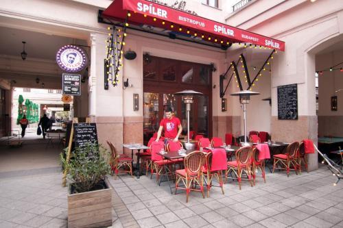 Hotel Gozsdu Court photo 8