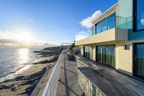 Porthleven Villa Sleeps 8 With Wifi, Porthleven, Cornwall