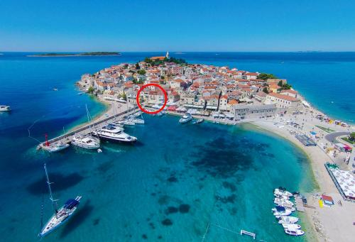 Primosten Chateau Sleeps 7 With Wifi In Primosten Croatia