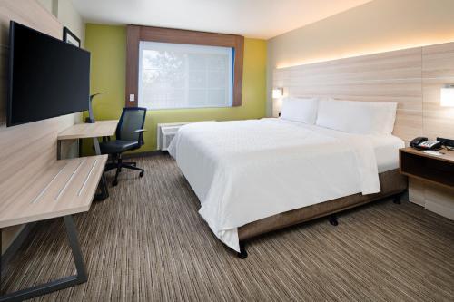 Holiday Inn Express Hotel & Suites Watsonville - Watsonville, CA CA 95077