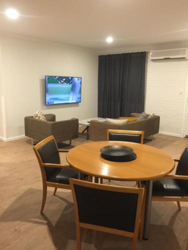 Фото отеля Intown Apartments