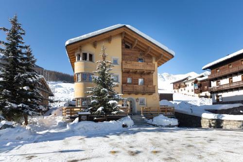 """Hotel """"La Suisse"""" Livigno"""