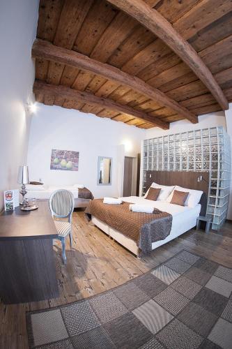 U Tri Hrusek Suites And Apartments
