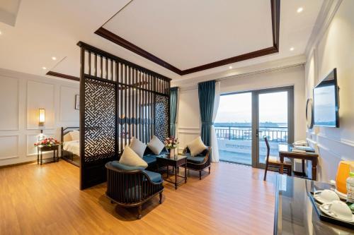 . Eco Lux Riverside Hotel & Spa
