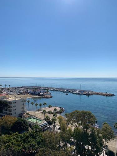 . Skol 927A - beachfront central luxury penthouse