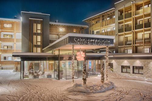 Alpine Luxury SPA Resort Schwarzenstein - Hotel - Lutago