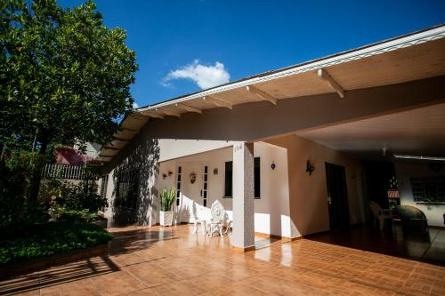 Cachoeira dos pássaros (Photo from Booking.com)