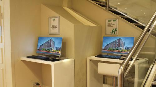 Holiday Inn Darling Harbour - image 2