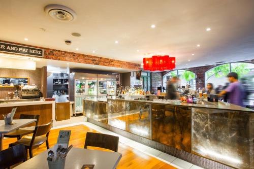 Holiday Inn Darling Harbour - image 3