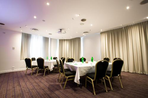 Holiday Inn Darling Harbour - image 7