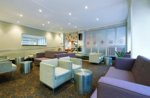 Holiday Inn Darling Harbour - image 9