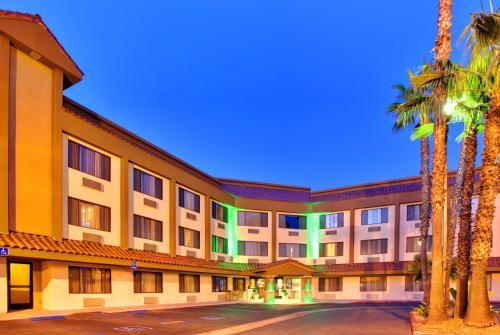 . Holiday Inn La Mesa, an IHG Hotel