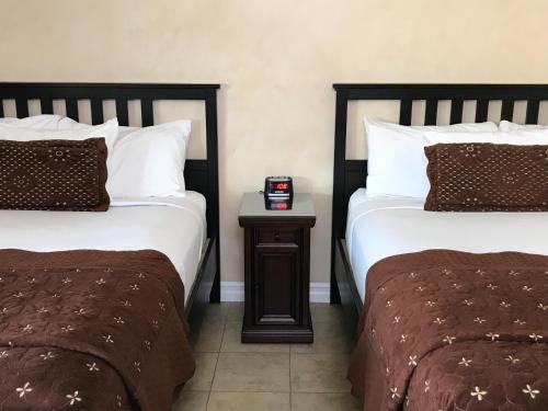 Nite Inn at Universal City - image 8