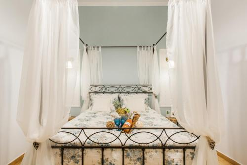 Syntagma private sweet safe double rooms in apartment, Hotel in Athen