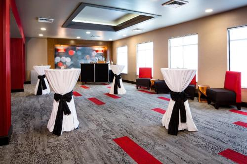 Holiday Inn Milwaukee Riverfront - Milwaukee, WI WI 53212