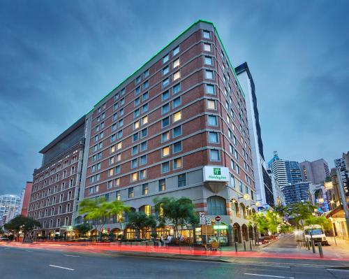 Holiday Inn Darling Harbour - image 1