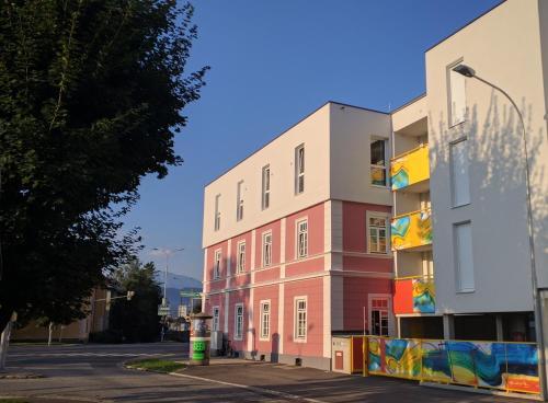 102 Venedig 59m2, 1-4 Pers extra Bedroom, Pension in Klagenfurt