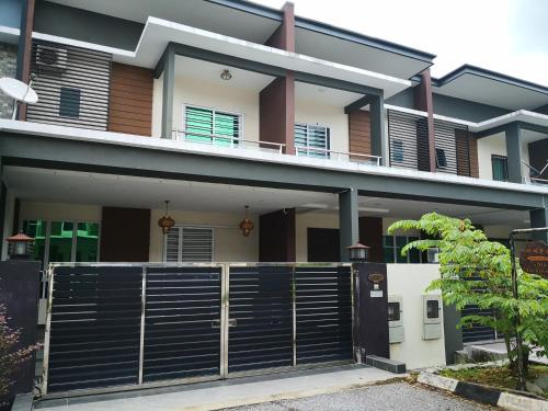 Pearl Avenue Home Stay