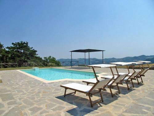 . Faenza Apartment Sleeps 8 Pool WiFi