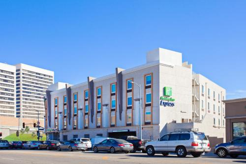 Holiday Inn Express West Los Angeles Main image 1