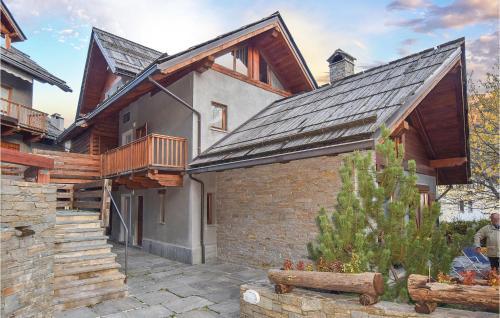 Amazing home in Bardonecchia w/ Indoor swimming pool and 3 Bedrooms Bardonecchia