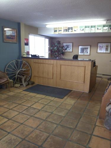 High Chaparral Inn - Rocky Ford, CO 81067